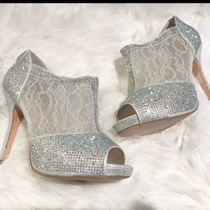 Shoes - NEW SOLD OUT Lauren Lorraine YVITA Silver Bootie 8